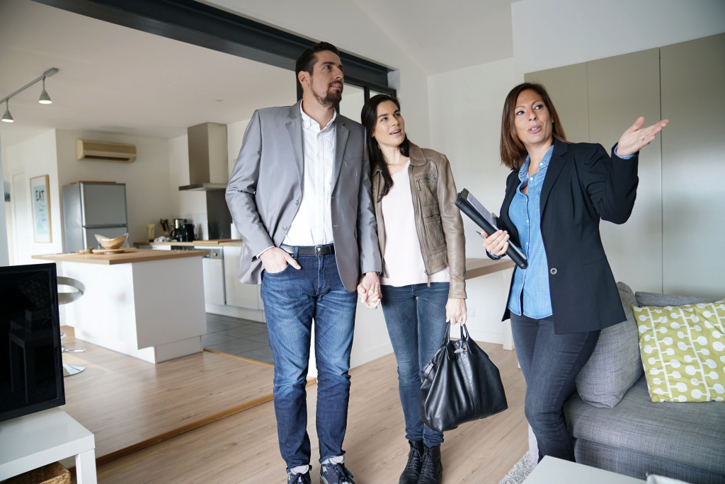 Landlord and couple